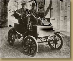 Thomas Edison on a Studebaker Electric (1903). Studebaker was the only car company to make the transition from building wagons and horse-carriages to automobiles. Studebaker made electric cars from 1903-1911 before turning to gas engines.
