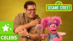 Sesame Street: Abby Cadabby teaches Josh Gad about Texture