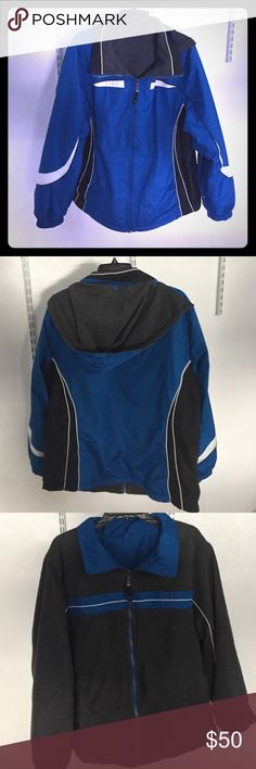 Men's reversible fleece/rain jacket Men's reversible fleece/rain jacket. Heavy and warm, two pockets on both sides, no visible tags, fits like XL. Removable hood. Jackets & Coats Raincoats