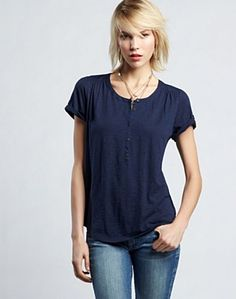 Here's a real simple yet beautiful top by Lucky. It's loose fitting so it hides the gun behind your hip really well.