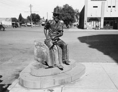 Paddy Hannan Memorial Statue - 'The Golden Mile' - Gold Mining Town - Kalgoorlie Western Australia