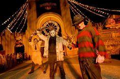 Prepara-se para momentos aterrorizantes,Halloween Horror Nights está de volta no #UniversalOrlando. Quem terá coragem de visitar o parque?