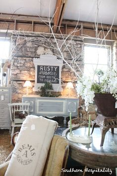 Southern Hospitaility's Rhoda writes up  her own Bella Rustica vintage barn marketplace experience! Near Pulaski, Tennessee.