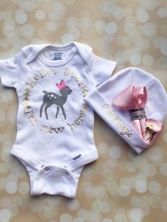Newborn Takehome Set - Personalized Baby Girl Outfit - Deer Newborn Hat and Bodysuit - Newborn Photo Outfit