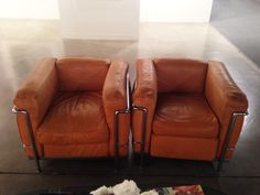 Beautiful pair of original Le Corbusier LC2 chairs.