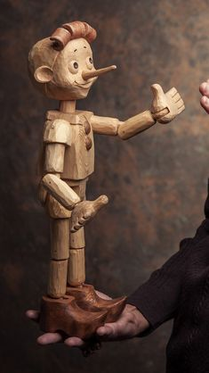 Tree Carving, Wood Carving Art, Wood Art, Wood Sculpture, Sculptures, Cool Wood Projects, New Project Ideas, Whittling Wood, Punch And Judy