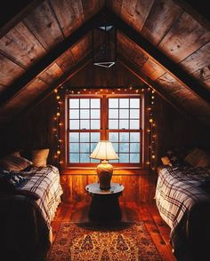 Log cabin living room decorating ideas cabin bedroom decor rustic cabin bedroom decorating ideas log home Attic Renovation, Attic Remodel, Cottage Design, House Design, Gym Design, Cabin Plans With Loft, Cabin Loft, Cabin In The Woods, Cabins In The Mountains