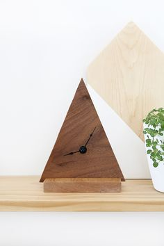 DIY Minimal Triangle Clock