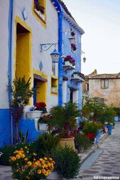 A spasso tra i colori vivaci di #BorgoParrini.  Walking through the amazing colours of Borgo Parrini.  Borgo Parrini #Partinico #colourfulsicily #visitsicilyinfo   ph Fabio Cavasenna