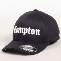 Urban Classics - Compton Curved Cap Noir   Disponible sur UrbanLocker.com