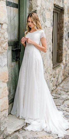 Not all the wedding dresses must be like a ballgown with chapel train and lots of silk, satin and organza. Modest wedding dresses can solve your problem. Cheap Modest Wedding Dresses, Wedding Dresses Lds, Stunning Wedding Dresses, Princess Wedding Dresses, Wedding Dress Styles, Bridal Dresses, Casual Wedding Dresses, Lace Weddings, Sleeveless Wedding Dresses