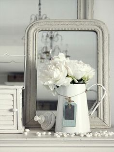 Country Style Chic: White Vintage