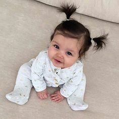 ❀∘mzcocogirl❀∘ - ❀∘B a b i e s❀∘ - Bebe Cute Little Baby, Lil Baby, Baby Kind, Little Babies, Baby Gap, Beautiful Children, Beautiful Babies, Baby Girl Hairstyles, Foto Baby