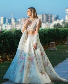 Indian Bridesmaid Dresses, Indian Gowns Dresses, Indian Bridal Outfits, Indian Fashion Dresses, Indian Designer Outfits, Party Wear Lehenga, Bridal Lehenga, Wedding Lehenga Designs, Bridal Dress Design