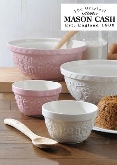 I seriously love Mason Cash products. I want my whole kitchen to be decked out with their bowls, measuring cups, pudding bowls, the works!