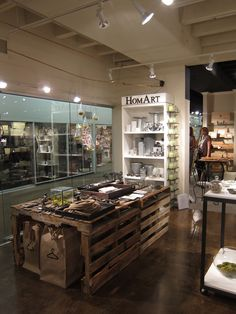 pallet display table....love