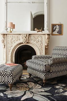 simple interior home design decor Home Living, Living Room Decor, Mid Century Modern Armchair, Cozy Chair, Transitional Decor, Modern Interior Design, Simple Interior, Contemporary Interior, Luxury Interior