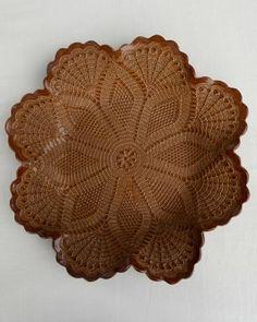 Lotus Bowl - BROWN PETINA Brown Note, Lotus, Cocoa, Pottery, Cinnamon Sticks, Lace, Ceramica, Lotus Flower, Racing