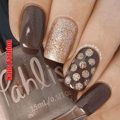 Acrylic nail art 595460381959219636 - Grey and gold manicure fall acrylic nails colors art designs Source by Fancy Nails, Trendy Nails, Gold Manicure, Manicure Ideas, Nagellack Design, Polka Dot Nails, Polka Dots, Chevron Nails, Dot Nail Art