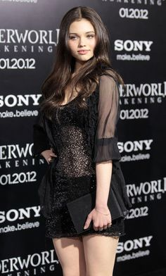 """India Eisley Photos - Actress India Eisley attends the Premiere of Screen Gems' """"Underworld Awakening"""" at Grauman's Chinese Theatre on January 2012 in Hollywood, California. - Premiere Of Screen Gems' """"Underworld Awakening"""" - Arrivals India Eisley, Olivia Hussey, Kendall Vertes, Chloe Grace, Emily Deschanel, Amanda Bynes, Charli Xcx, Bobby Brown, Hit Girls"""