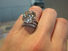 Pin discovered by Interest HUb Dream Engagement Rings, Antique Engagement Rings, Diamond Wedding Rings, Wedding Ring Bands, Jewelry Rings, Jewelery, Expensive Rings, Dream Ring, Beautiful Rings