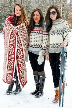A grey fair isle crew-neck sweater and black leggings are a good go-to look to keep in your off-duty collection. You could perhaps get a little creative when it comes to shoes and dial down your outfit by wearing a pair of black rain boots. Ski Sweater, Winter Sweaters, Sweater Weather, Fall Winter Outfits, Winter Wear, Autumn Winter Fashion, Preppy Mode, Preppy Style, Ski Fashion