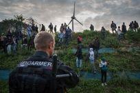 """Réfugiés : la France doit faire le choix de l'accueil - 82% des Français se disent prêt à accueillir des réfugiés en France. Il est temps d'agir pour changer nos politiques !- La """"Jungle de Calais"""" © Rob Stothard/Getty Images"""