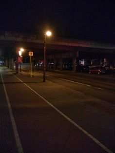 5:15 Uhr: Berlins Strassen können auch mal leer sein.