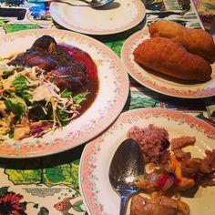 ジャマイカ料理 #初の #ジャマイカ #料理 #ジャークチキン #アキーアンドソルトフィッシュ #このアキーていう実 #すごくおいしい #ジャマイカの揚げパン #ディナー #神戸  #kobe #dinner #foodporn #jamaicanfood #delicious by orangeee1000veee