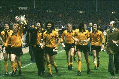 Wolverhampton Wanderers, 1980 Brad Park, Phil Esposito, Milan Lucic, Wolverhampton Wanderers Fc, Patrice Bergeron, Image Foot, Bobby Orr, Retro Football, Historical Images