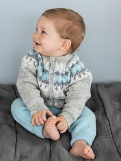 New baby boy crochet sweater fair isles ideas Baby Boy Knitting, Baby Girl Crochet, Crochet For Boys, Knitting Stitches, Knitting Designs, Baby Boy Outfits, Kids Outfits, Baby Barn, New Baby Boys