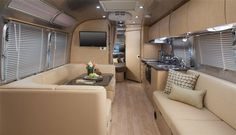 2015 Airstream 30 FLYING CLOUD w/ CASHEW ULTRA LEATHER