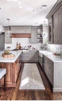 Will you redesign your own kitchen? Then you should look at these photos. These kitchen designs are very different. Some are very expensive, some are cheap. The colorful wooden kitchen models look… Kitchen Redo, Kitchen Layout, Home Decor Kitchen, Home Kitchens, Kitchen Dining, Design Kitchen, Kitchen Hacks, Kitchen Makeovers, Small Kitchens