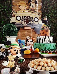 Decoração Mickey Safari por  Nick Provençal Kesia...
