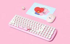 Ipad Accessories, Computer Accessories, Mochila Kpop, Bts Bag, Kawaii Games, Retro Typewriter, Cool Gadgets To Buy, Geek Gadgets, Photo Bag