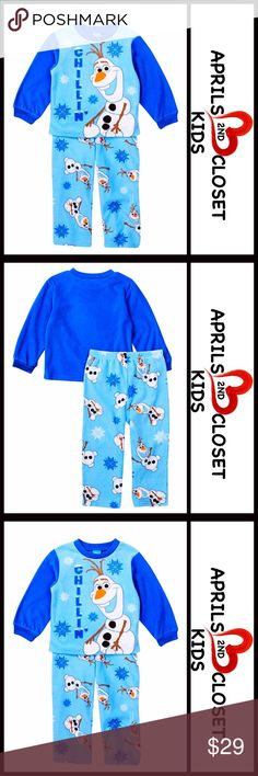 FROZEN Olaf FLEECE PAJAMAS SET (Girls) 💟NEW WITH TAGS💟  FROZEN Olaf FLEECE PAJAMAS SET   * Super soft & cozy  * 2-piece set   * Consumer Product Safety approved   * Scoop neck, long sleeves top  * Graphic print front  * Elasticized waist & Allover print bottom   Fabric: 100% polyester Color: Multi Item#  🚫No Trades🚫 ✅ Offers Considered*✅ *Please use the blue 'offer' button to submit an offer. AME Sleepwear Pajamas Pajama Sets