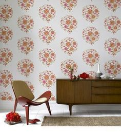 Can someone inform me what planet I have been on that I missed the news that Amy Butler made wallpaper? I employed lots of Amy Butler fabrics in the quite Decor, Brown Wallpaper, Retro Wallpaper, Interior, Retro Decor, Wallpaper Decor, Interior Wallpaper, Retro Furniture, Wall Coverings