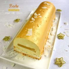 Bûche de Noël ananas & noix de coco - has dou - Fancy Desserts, Fancy Cakes, Ice Cream Cake Roll, Jello Cake Recipes, Homemade Birthday Cakes, Yule Log, Food Cakes, Christmas Desserts, Sweet Recipes