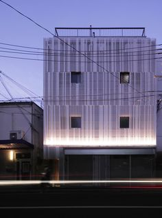 N STRIPS de Jun Murata / JAM. | Maisons de deux appartements