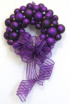 awesome for Alzheimers, Fibromyalgia, Migraines, Pancreatic Cancer, and Animal Abuse - as well as many other diseases & causes. Pallet Christmas, Purple Christmas, Christmas Colors, Christmas Wreaths, Xmas, Christmas Time, Purple Love, All Things Purple, Pancreatic Cancer Awareness