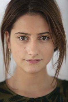 Lola Créton | Top People - Lola Creton