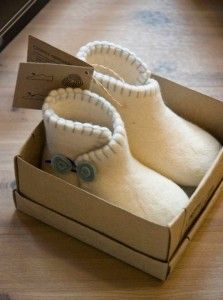 Felt shoes from Clemente Copenhagen love the felt frog button fastener design on these baby bootees good to use on many fashion clothes and shoe projects