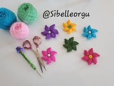 YouTube Hair Bow Tutorial, Crochet Handbags, Crochet Videos, Crochet Flowers, Doilies, Hair Bows, Elsa, Diy And Crafts, Projects To Try