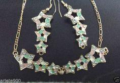 Conjunto-de-collar-y-pendientes-diseno-estrellas-esmaltadas-Hecho-a-mano
