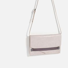 Image 3 of DETAILED CLUTCH from Zara