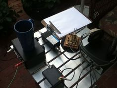 A qrp set up with a K8ra paddle