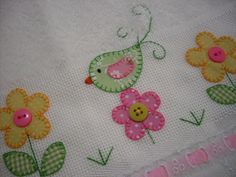 Bird and flower applique Wool Applique, Applique Patterns, Applique Quilts, Applique Designs, Embroidery Applique, Embroidery Stitches, Quilt Patterns, Machine Embroidery, Embroidery Designs