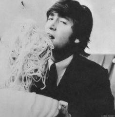 John Lennon enjoying some pasta! John Lennon, Makes You Beautiful, Gorgeous Men, Great Bands, Cool Bands, The White Album, Les Beatles, The Fab Four, Cultural