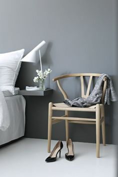 How to create a Scandinavian atmosphere 45 ideas in pictures - Decoration For Home Feng Shui, Parents Room, Scandinavian Furniture, Wood Interiors, Wishbone Chair, White Wood, Decoration, Sweet Home, Home Decor