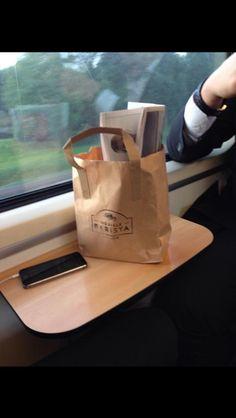 Koffie zoals to go coffee bedoeld is.... In de trein